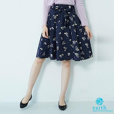 earth music 點點/花朵圖樣蝴蝶綁結膝上短裙