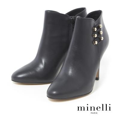 Minelli--經典百搭金屬鈕扣高跟踝靴-都會黑