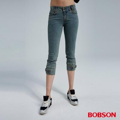 BOBSON 女款釦環裝飾七分褲(藍949-77)