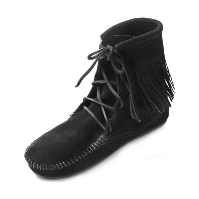 MINNETONKA-TRAMPER ANKLE經典綁帶流蘇短靴-黑色