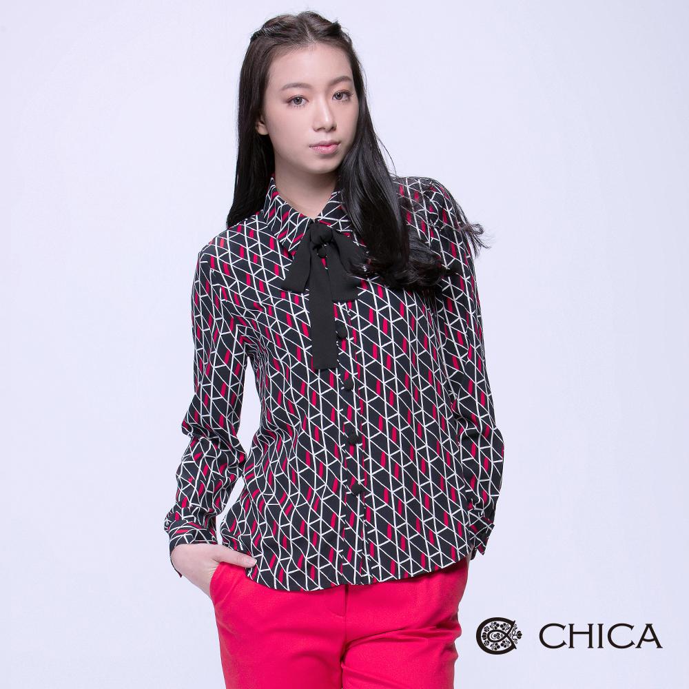CHICA 復刻回憶重複交疊幾何設計襯衫(2色)