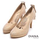 DIANA 漫步雲端LADY系列--水鑽蝴蝶結亮面星鑽跟鞋-金