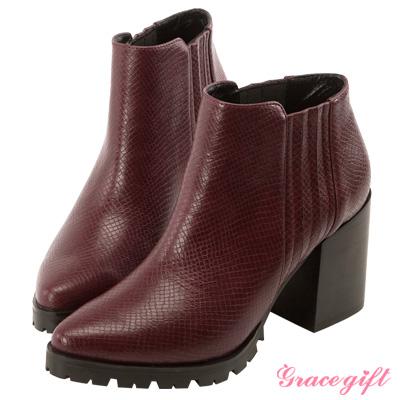 Grace gift X Kerina妞妞-復古鬆緊帶粗跟短靴 酒紅