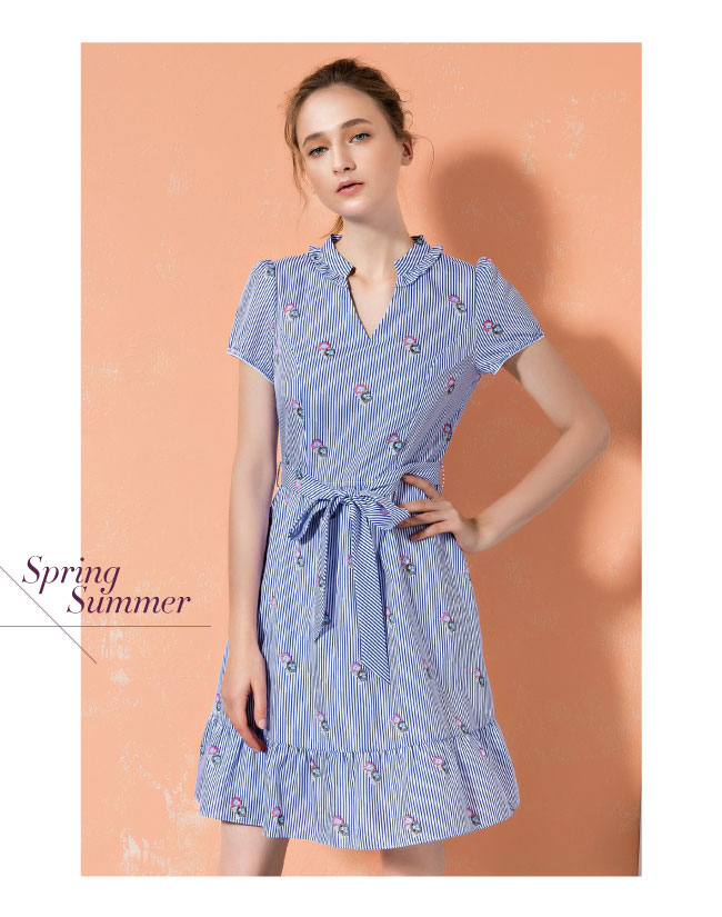 ILEY伊蕾 修身立裁碎花條紋綁帶洋裝(藍)