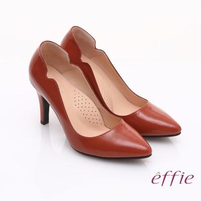 effie 輕透美型 鏡面牛皮側邊獨特線條素色高跟鞋 橘