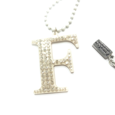 Anna Lou Of London 倫敦品牌 水晶字母項鍊 F 白色