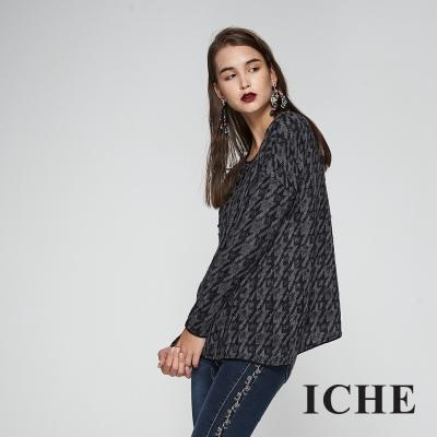 ICHE衣哲 經典千鳥格紋印花鑲飾造型上衣-灰