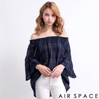 AIR-SPACE-清新格紋荷葉平口上衣-藍