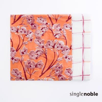 獨身貴族 渡假風情花卉拼色印花設計披巾(1色)