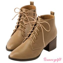 Grace gift-素面綁帶木紋粗跟短靴 杏