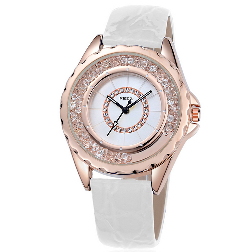 Kezzi珂紫-742玫瑰金創意流沙晶鑽皮革手錶-白色38mm