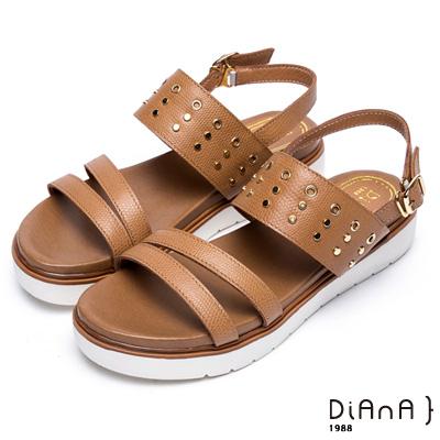 DIANA 夏日率性—質感壓紋牛皮點綴金屬鉚釘平底涼鞋 –棕