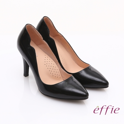 effie 輕透美型 鏡面牛皮側邊獨特線條素色高跟鞋 黑