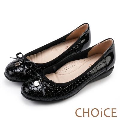 CHOiCE 真皮舒適 蝴蝶飾釦簍空低跟娃娃鞋-黑色