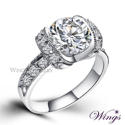Wings 奢華戴妃款 八心八箭閃耀方晶鋯石戒指