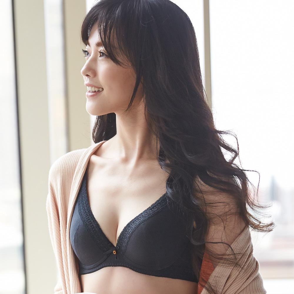 蕾黛絲-挺素面V版型 D-E罩杯內衣(時尚黑)