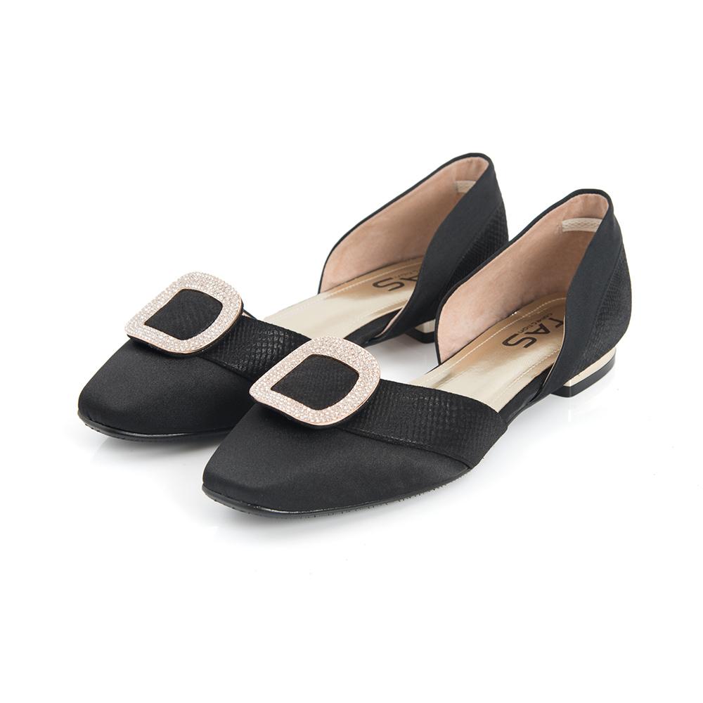 TAS 金屬水鑽方型飾釦側鏤空低跟鞋-奢華黑
