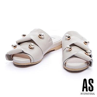 拖鞋 AS 時尚奢華珍珠點綴扭結綿羊皮低跟拖鞋-白