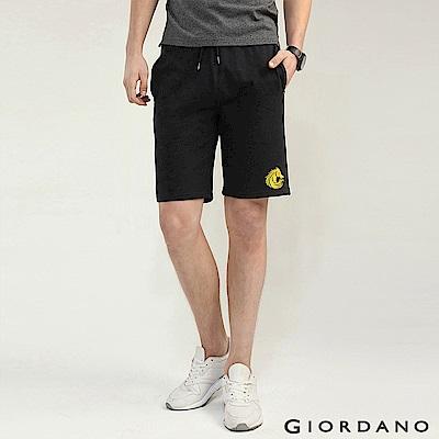 GIORDANO 男裝馬頭立體刺繡毛巾布抽繩休閒短褲-09 標誌黑