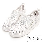 GDC-夢幻音符簍空休閒鞋-米色