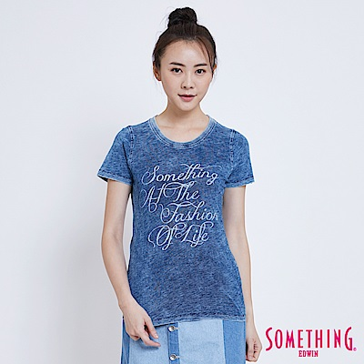 SOMETHING 草寫字母印花T恤-女-拔淺藍