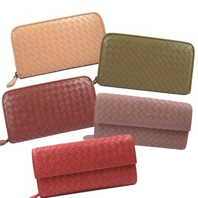 BOTTEGA VENETA 手工羊皮編織長夾 均一價 21999