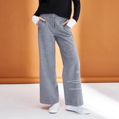 ICHE衣哲 時尚無印簡約風字母印花微寬直筒造型長褲-灰