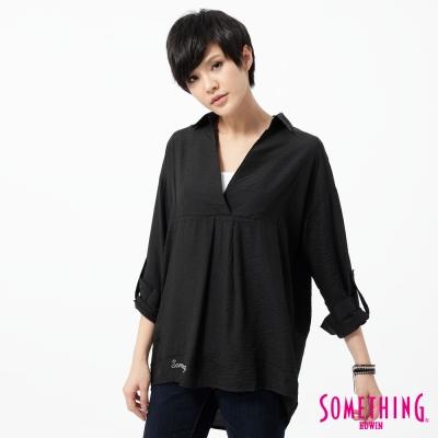 SOMETHING 襯衫 V領後開襟長版襯衫-女-黑色