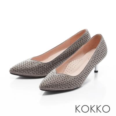 KOKKO - 輕奢璀璨尖頭雕花羊麂皮高跟鞋-典雅灰