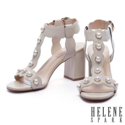 涼鞋 HELENE SPARK 復古珍珠波紋字帶牛皮高跟涼鞋-米