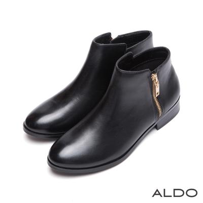 ALDO-原色真皮前高後低剪裁木紋粗跟短靴-尊爵黑