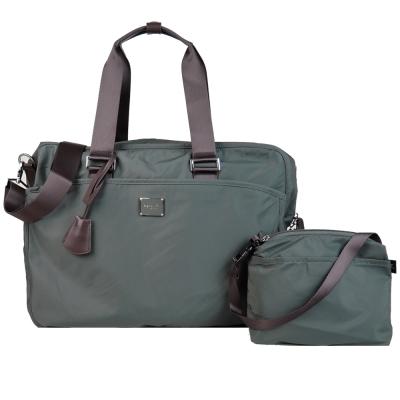 agnes b. 雙槓金屬LOGO尼龍旅行袋(大/墨綠)