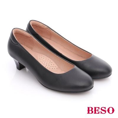 BESO-簡約知性-羊皮素面通勤中跟鞋-黑