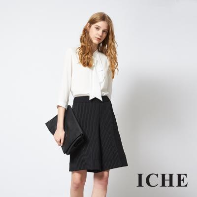 ICHE 衣哲 時尚百搭直條紋印花寬版及膝褲裙