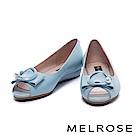 楔型鞋 MELROSE 清新雅緻珍珠飾釦魚口低跟楔型鞋-藍