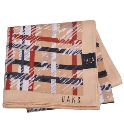 DAKS 英倫風情品牌字母LOGO大格紋帕領巾(大/駝色)