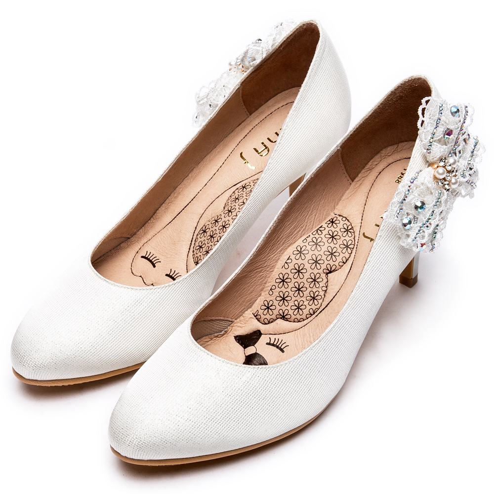 DIANA側蕾絲蝴蝶結氣質典雅跟鞋-漫步雲端瞇眼美人款–銀白