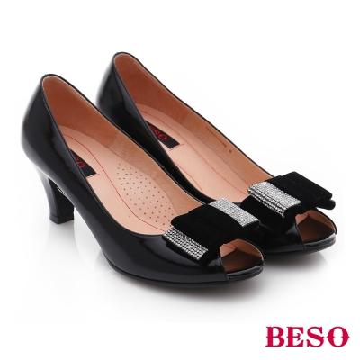 BESO-流金歲月-寬版蝴蝶結飾水鑽魚口高跟鞋-黑