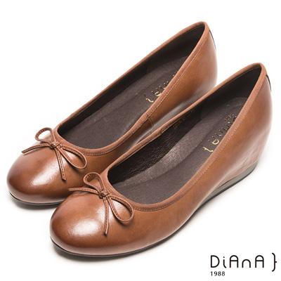 DIANA 優雅姿態--復古色滾邊蝴蝶結平底鞋-棕