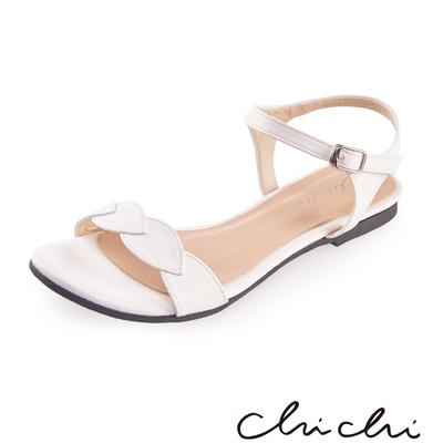 Chichi 葉子一字側扣環平底涼鞋*白色