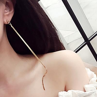 梨花HaNA  韓國優雅線條金緻超長蛇骨耳環