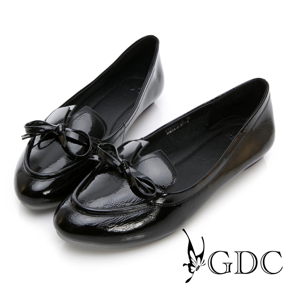GDC-真漆皮v剪裁蝴蝶結尖頭平底包鞋-黑色
