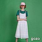 gozo 線條格紋挖背縷空細肩洋裝(二色)