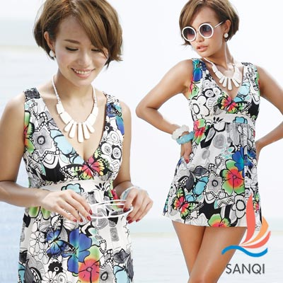 SANQI三奇 繽紛圖樣 兩件式加大尺碼泳衣(白)