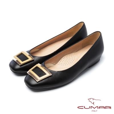 CUMAR法式優雅金屬方形飾釦小方頭內增高平底鞋黑
