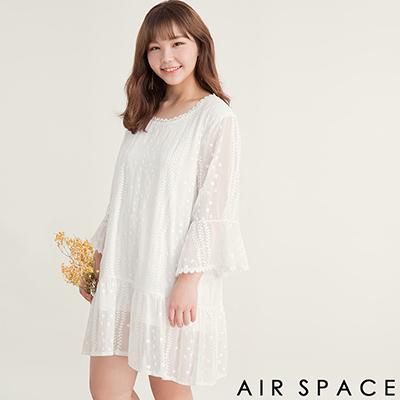 AIR SPACE PLUS 繡花雪紡透膚喇叭袖洋裝(白)