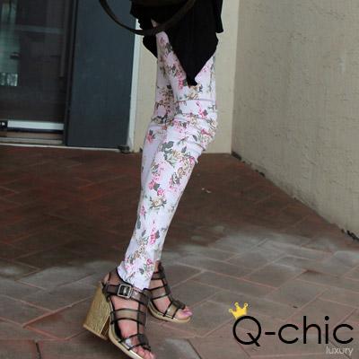 【Q-chic】春漾花朵顯瘦修長煙管褲 (共二色)