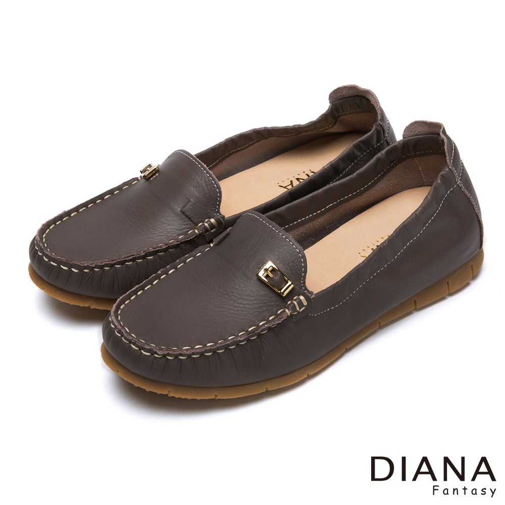 DIANA 超軟Q--經典素面金屬皮帶飾釦牛皮內增高鞋-灰