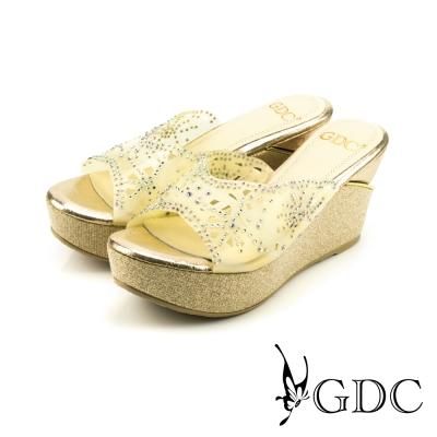 GDC-水鑽幾何沖孔楔型涼拖鞋-金色