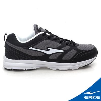 ERKE 鴻星爾克。男運動常規慢跑鞋-正黑